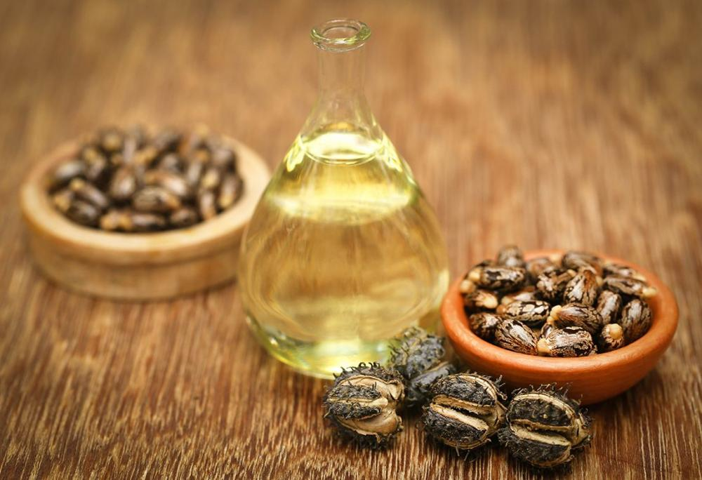 How to Use Castor Oil to Quickly Grow Your Hair