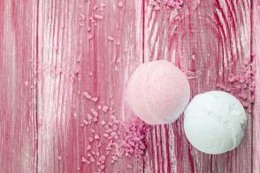 DIY Homemade Bath Bombs With Essential Oil Recipes