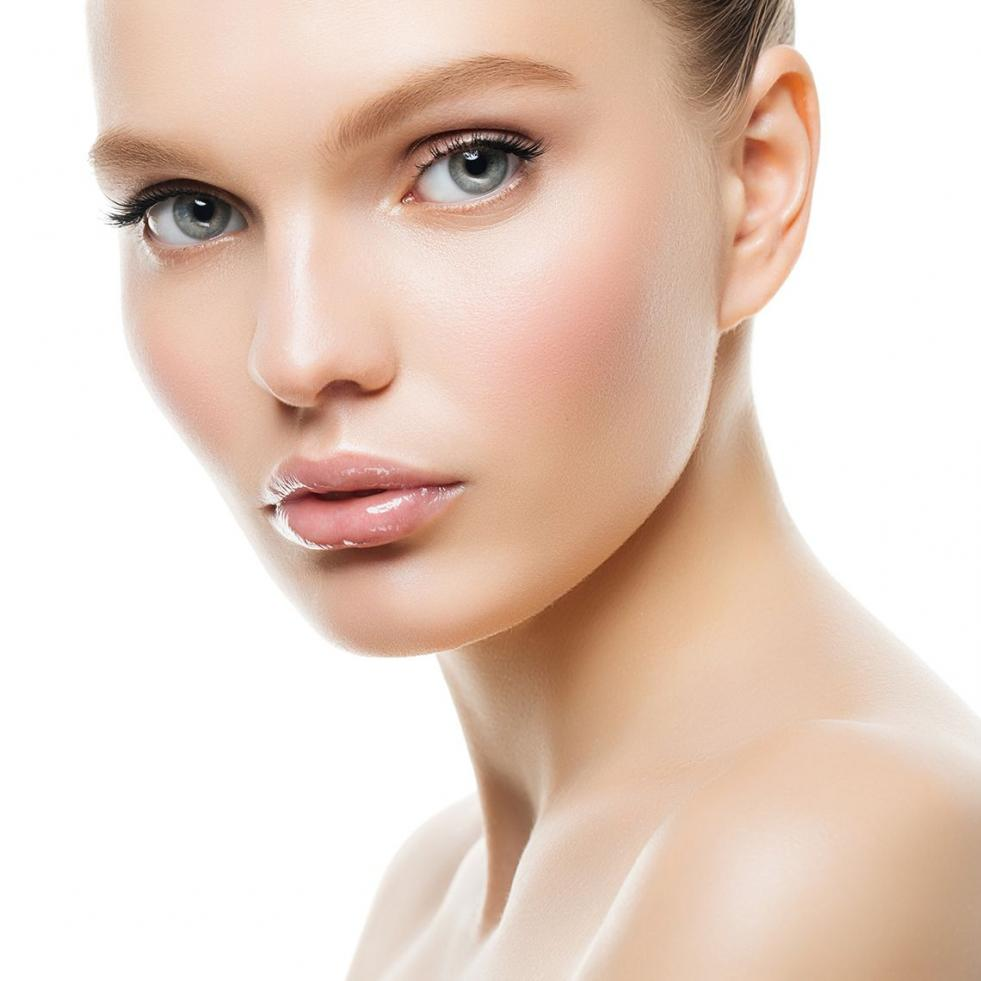 Treat Yourself! Retinol Moisturizer Could Be the Most Effective Skin Hydrator Your Skin Deserves